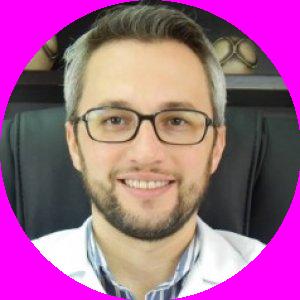 Dr. André Garcia