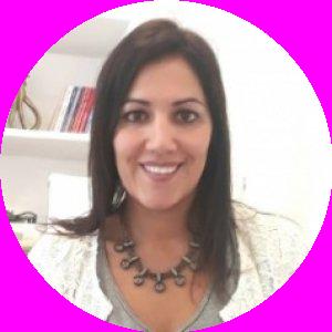 Dra. Cintia Fernandes Leite